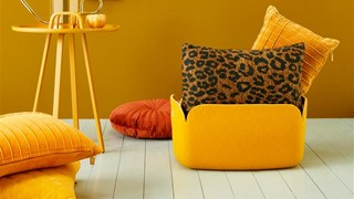 Tigerlily-cushion_Brown_NL_BB_45x45_0
