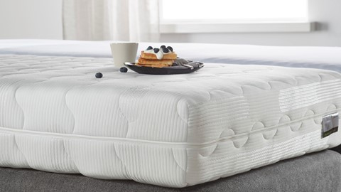 mt_beter_bed_select_silver_pocket_deluxe_foam_sfeer1